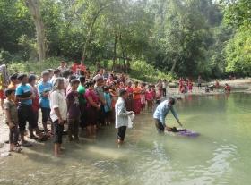 creekside-baptisms-Bangladesh-pixelated